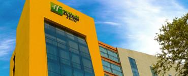 hotel holiday inn express world trace center